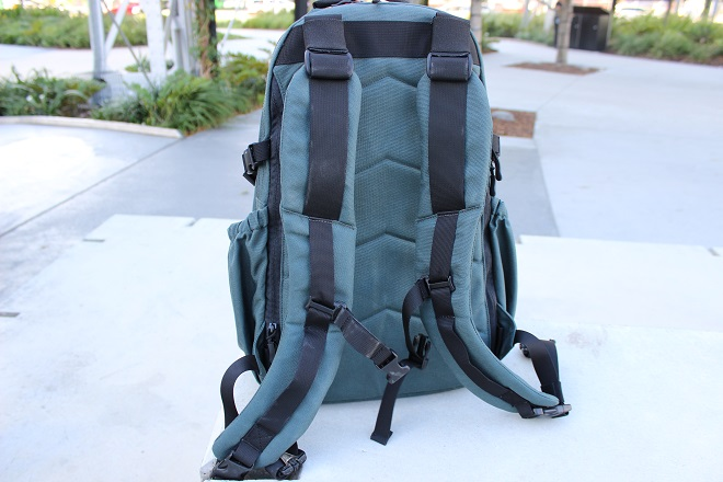 Alpha One Niner EVADE Review - shoulder strap highlight