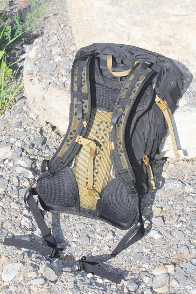 Boreas bootlegger super-tramp suspension back shot