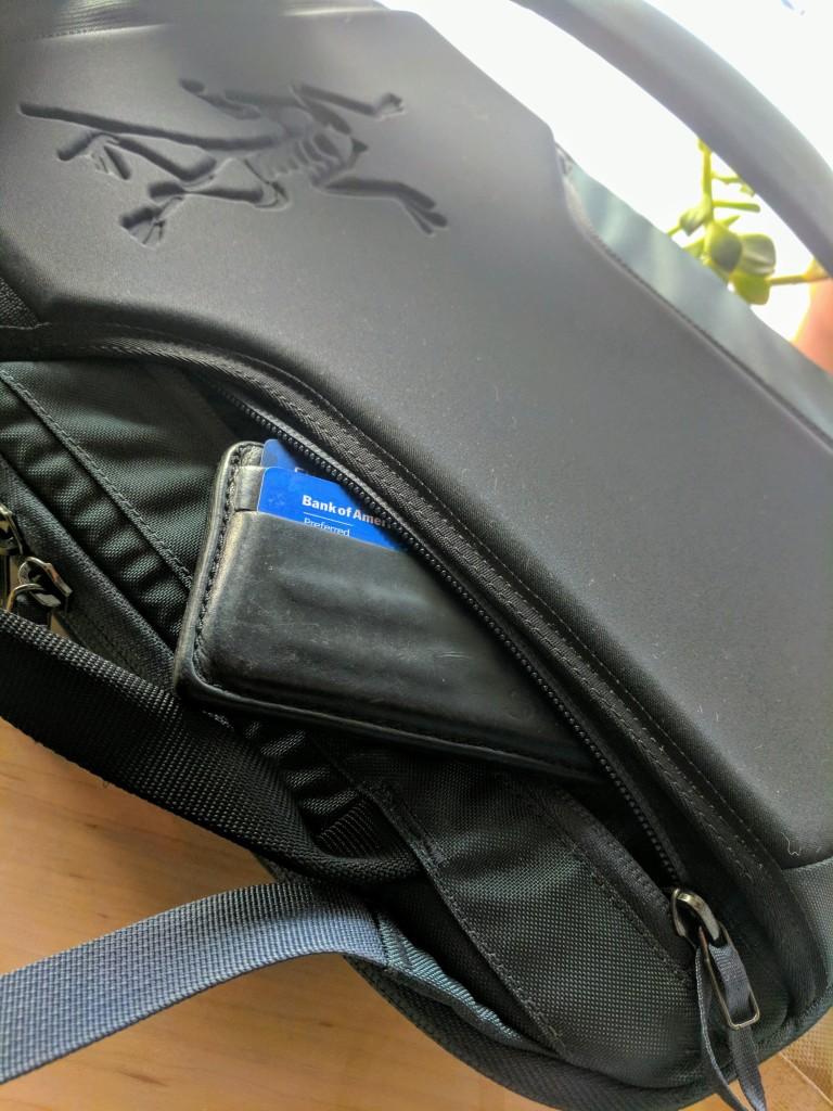 Arc'teryx Blade 6 review back panel pocket