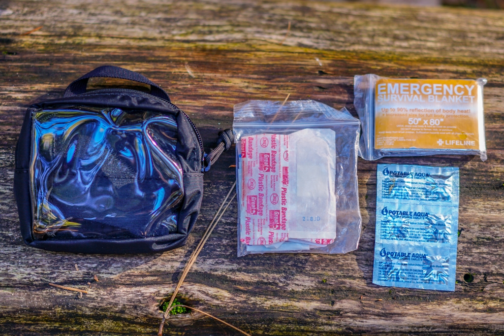 S.O Tech Go Pouch 2 Quick Look first aid kit contents