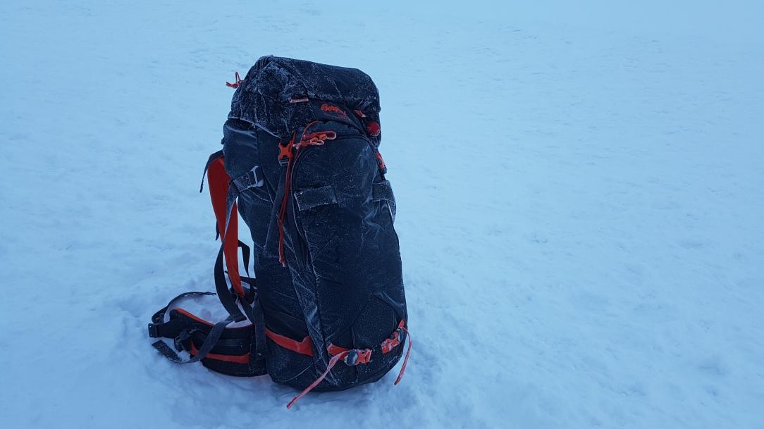 Bergans Helium Pro 40 Backpack feature shot