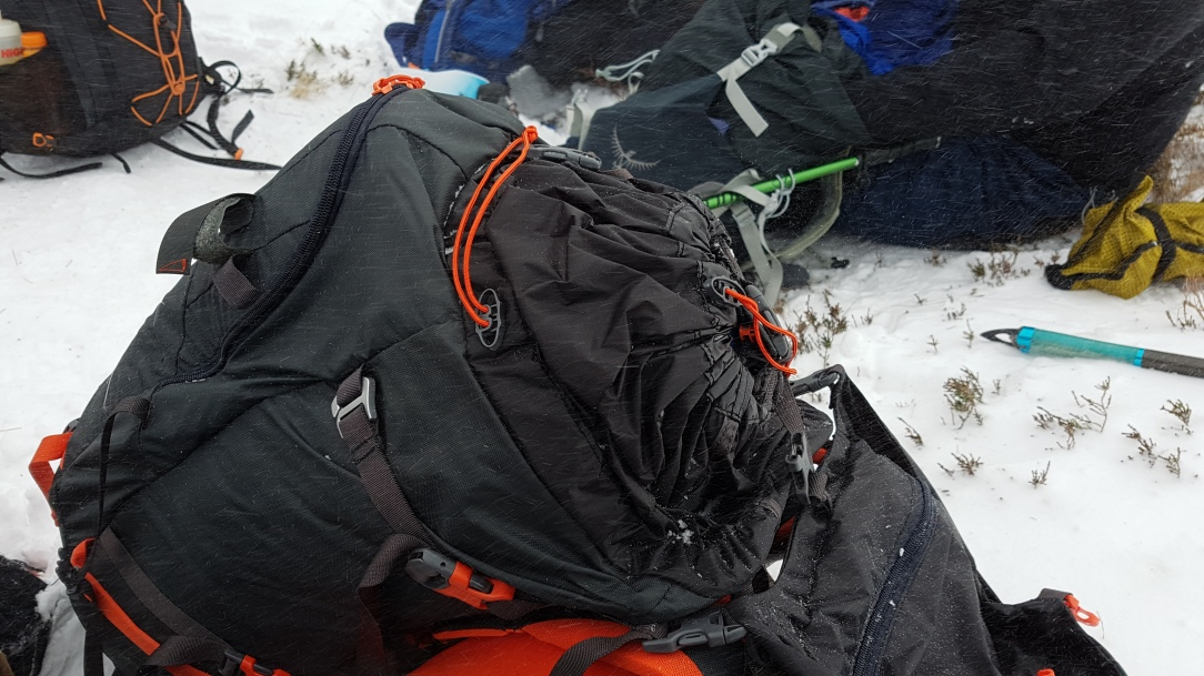 Bergans Helium Pro 40 Backpack drawstring