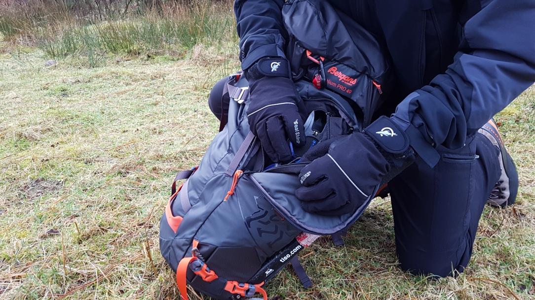 Bergans Helium Pro 40 Backpack side zip