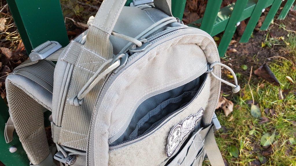 Triple Aught Design Fastpack Litespeed V2 Review top admin pocket