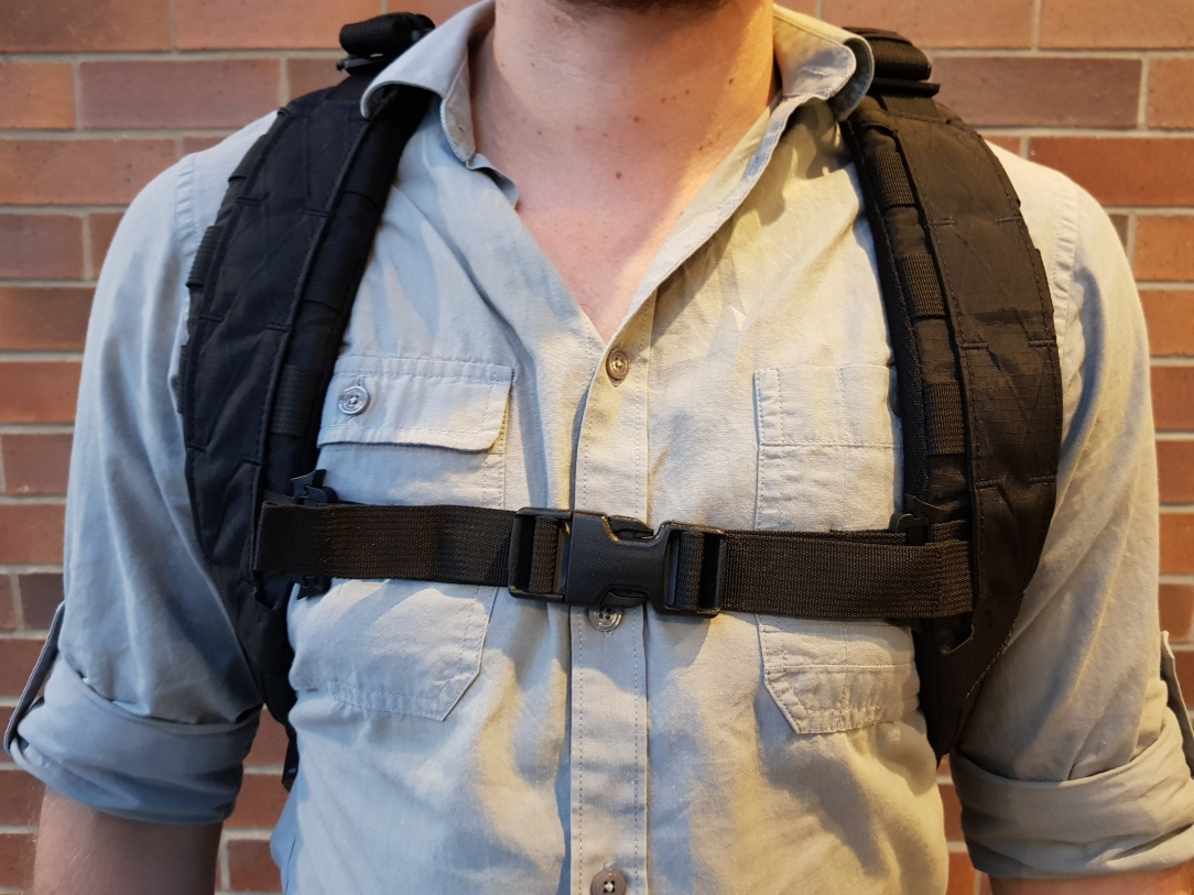 Triple Aught Design Axiom 18 Review Front Sternum Strap