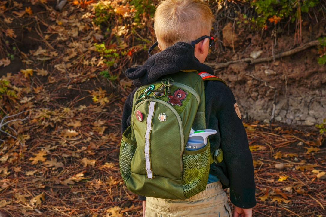 Cub Cubs Cub Ruck kids backpack moss green profile view with water bottle pocket
