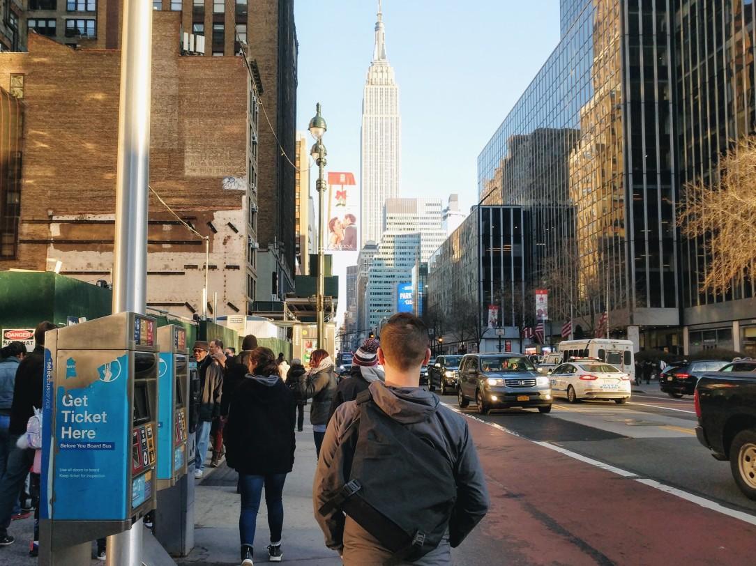 Arcteryx LEAF courier 15 messenger bag backpack review on body in city shoulder bag sling bag