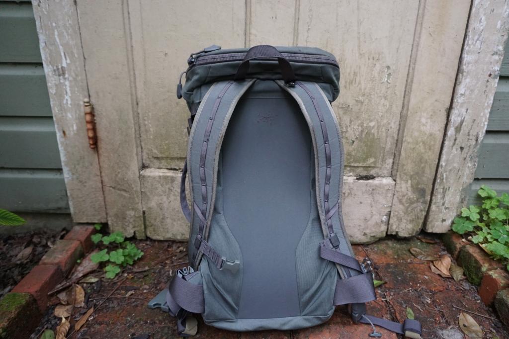 Assault Pack 30 Khard 30 review  back of bag