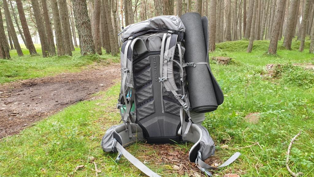 Massdrop X Granite Gear Crown2 backpack review back panel straps belt mesh
