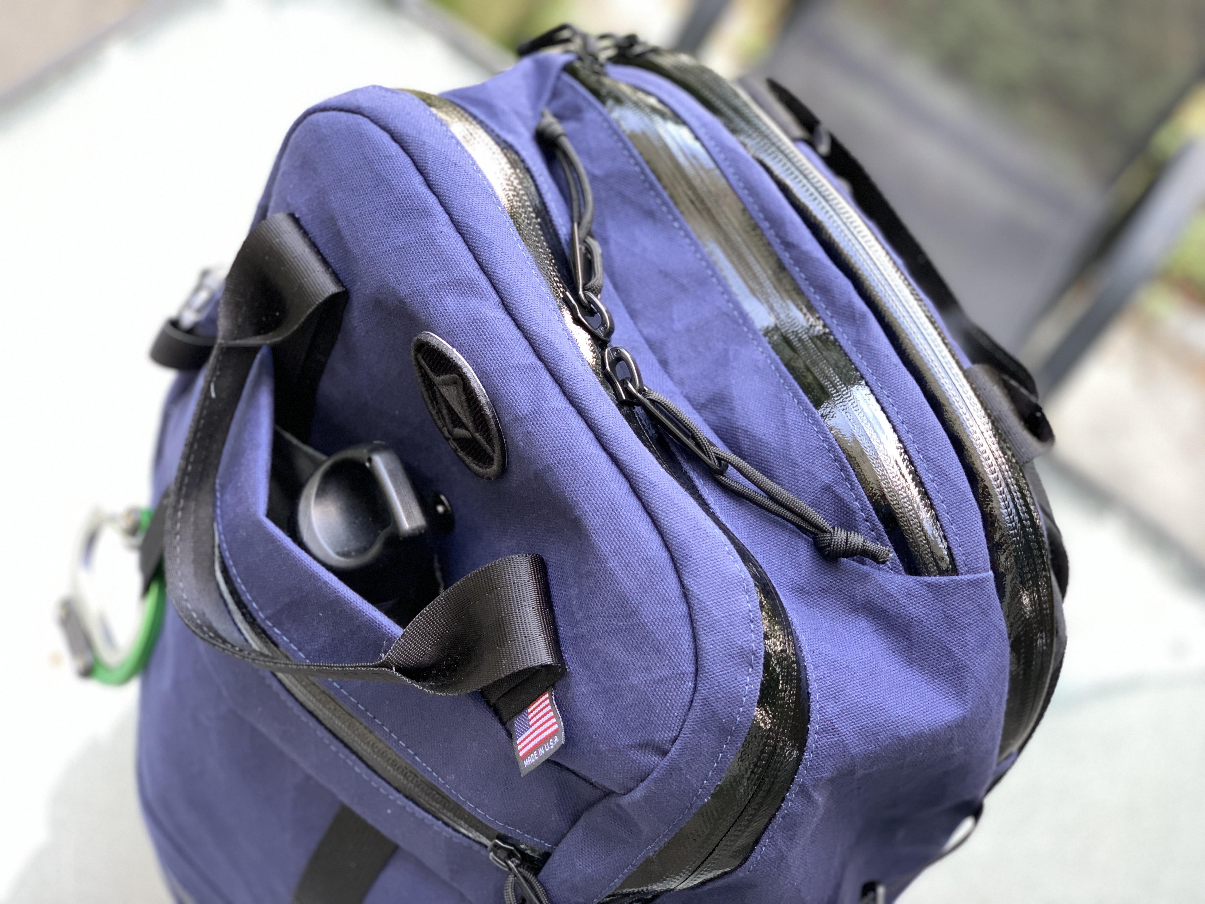 North St Bags Weekender front water bottle pocket