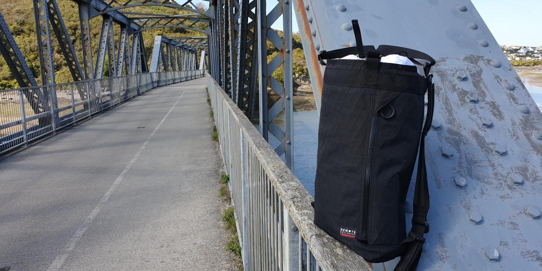 Remote Equipment BRAVO 18 review haul bag black x-pac outside