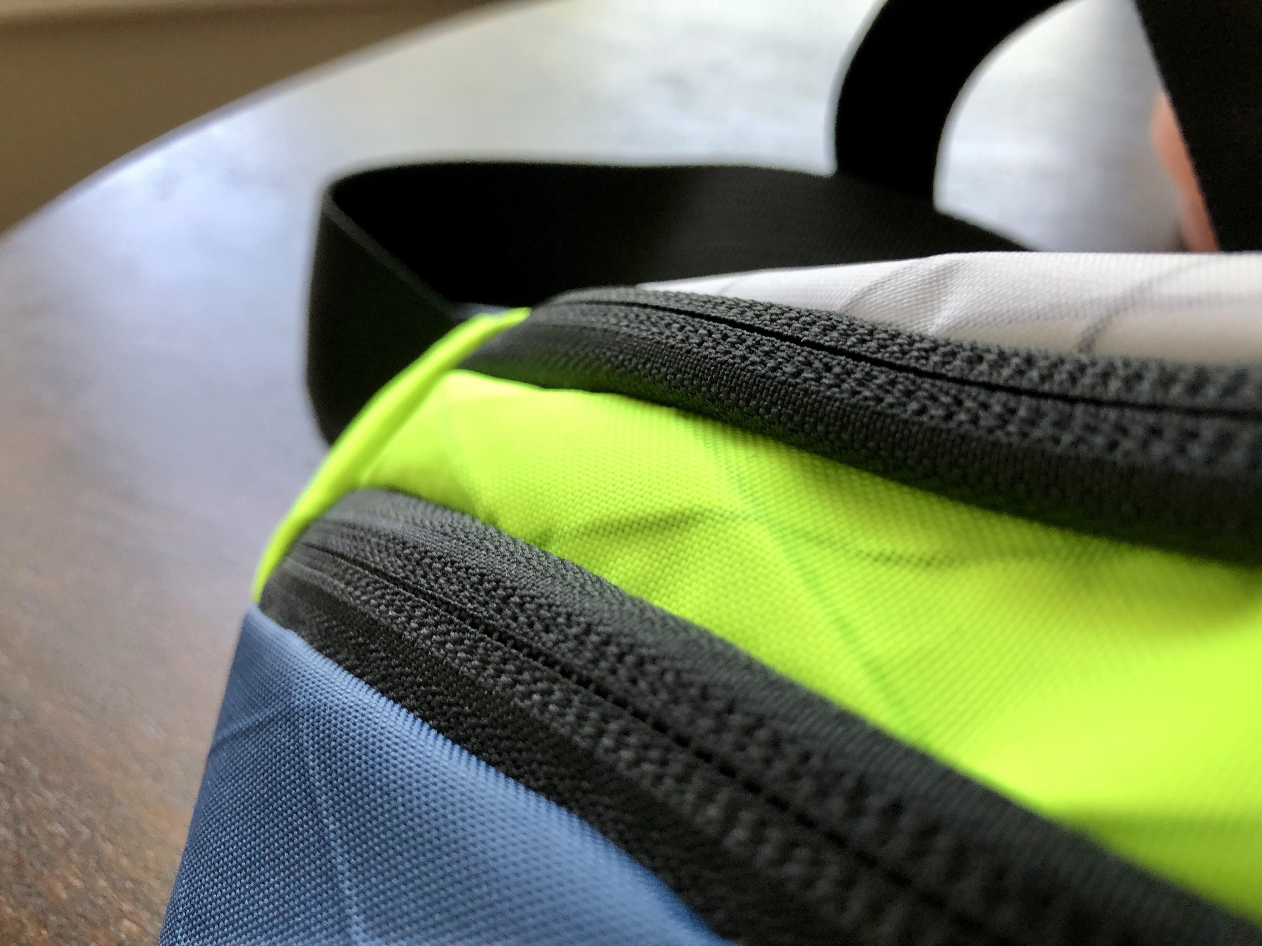 Flowfold Maverick zippers