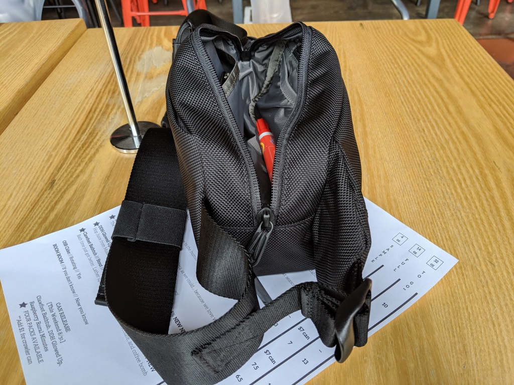 Aer City Sling main compartment