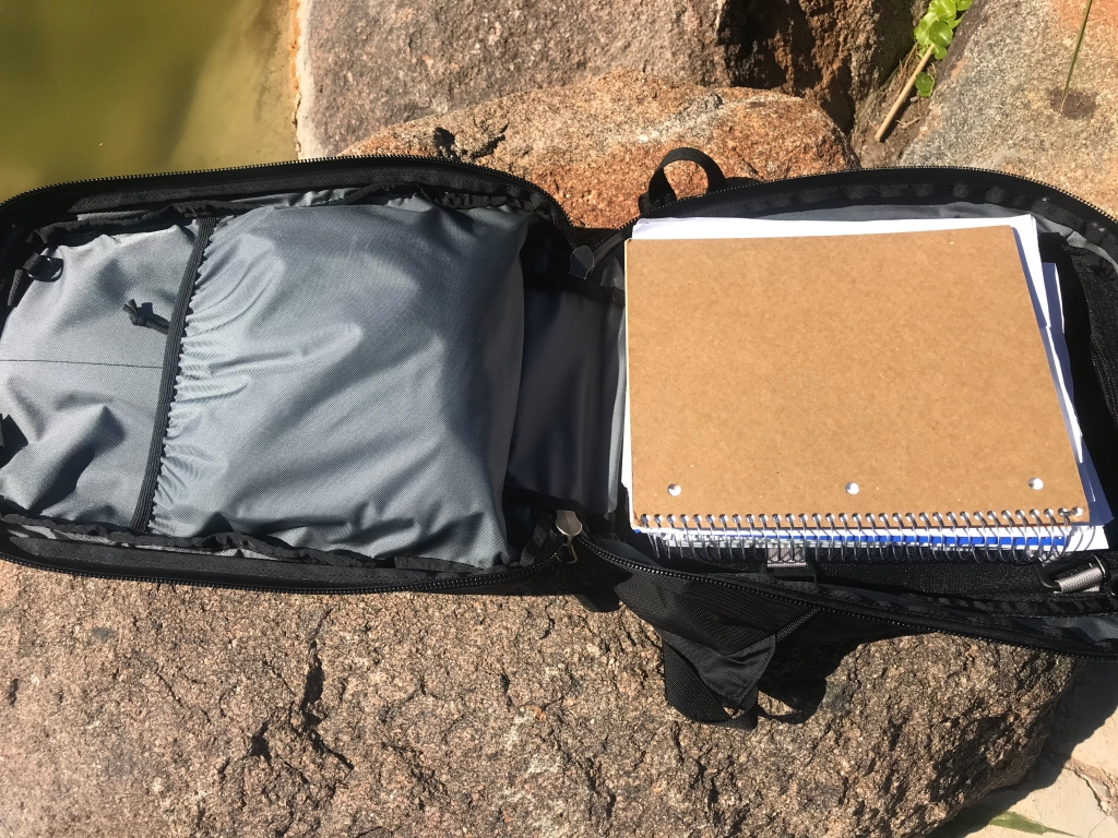 Tom Bihn Synik 22 Review main compartment open
