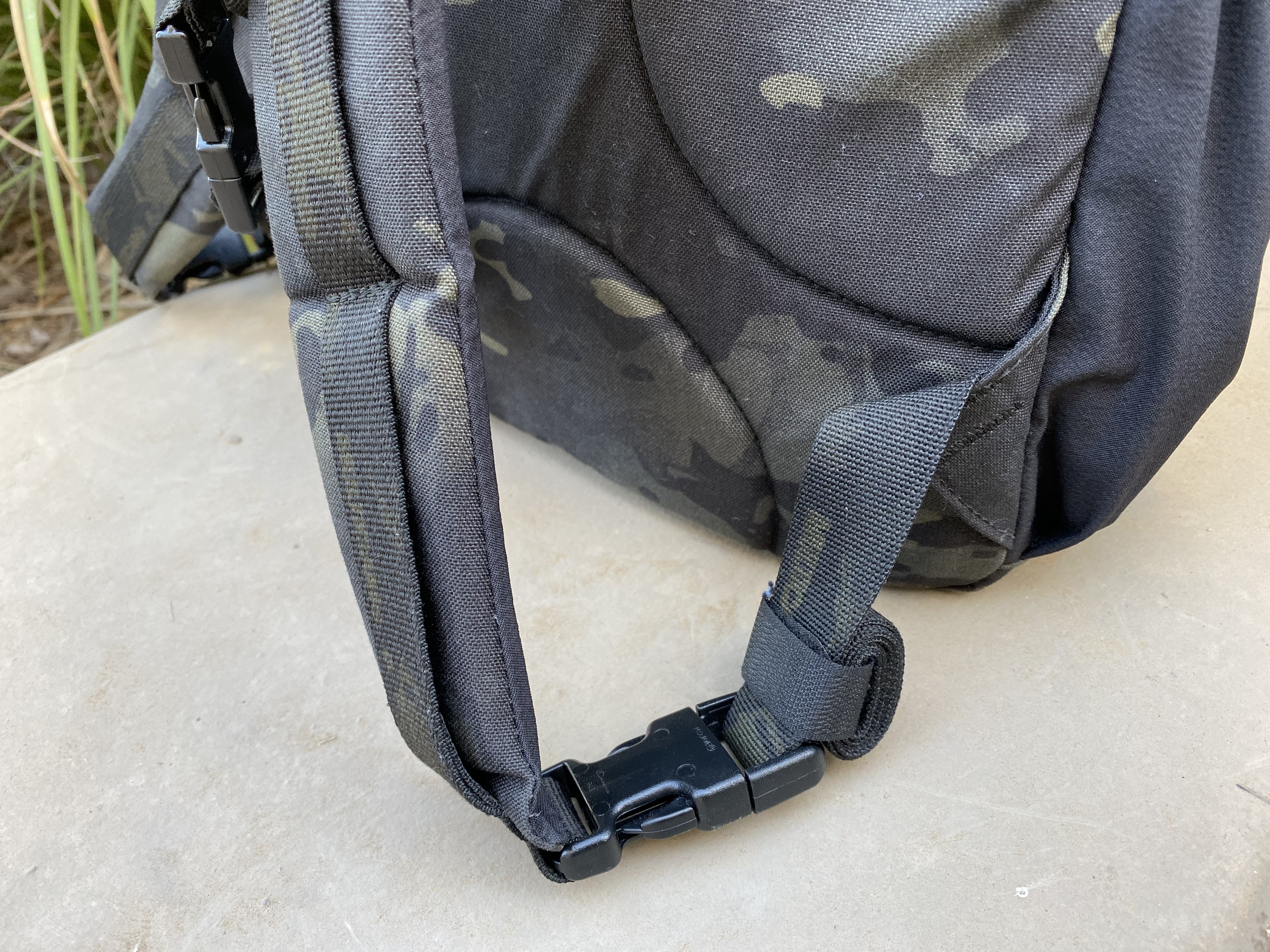LBD 8005A Day Pack Review strap management velcro onewrap